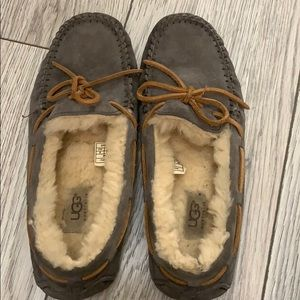 UGG Shoes - Gray UGG Dakota Moccasins - Hardly Worn